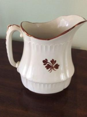 Henry Alcock - Blanket Stitch - Tea Leaf - Pitcher - 8.5  tall