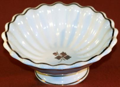 Alfred Meakin - Scalloped Rim - Tea Leaf - Apple Bowl (scalloped) 3