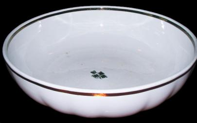 Anthony Shaw - Ribbed Round - Tea Leaf - Bowl- Scalloped Sides