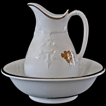 Clementson - Balanced Vine - Teaberry - Ewer and Basin