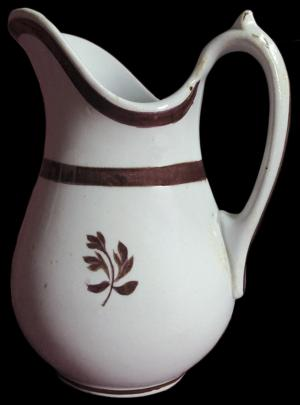 William Davenport - Rondeau - Tea Leaf - Creamer