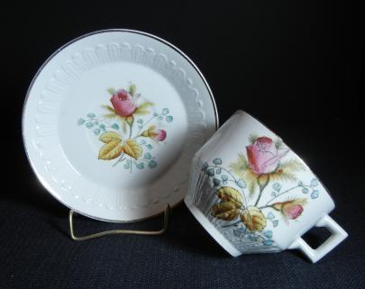 Edwards Brothers - Peerless Shape - Moss Rose - Cup and Saucer