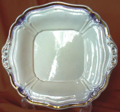Jacob Furnival - Berry Cluster -  Lustre Band - Cake Plate