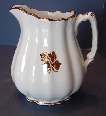Johnson Brothers - Acanthus - Tea Leaf - Creamer