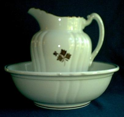 Johnson Brothers - Chelsea - Tea Leaf - Ewer and Basin