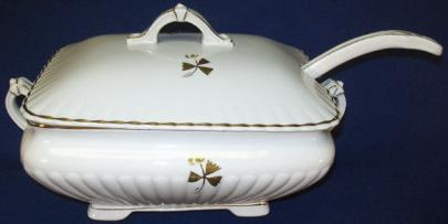 Powell & Bishop - Square Ridged Iona - Tea Leaf - Soup Tureen