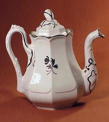 Red Cliff - Chinese Shape - Tea Leaf - Teapot