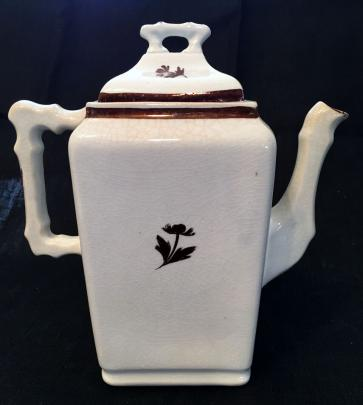 Sebring Pottery - Unknown - Bot - Teapot