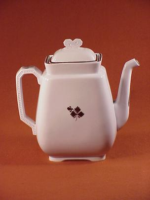 Thomas Hughes - Beaded Bow - Tea Leaf - Teapot