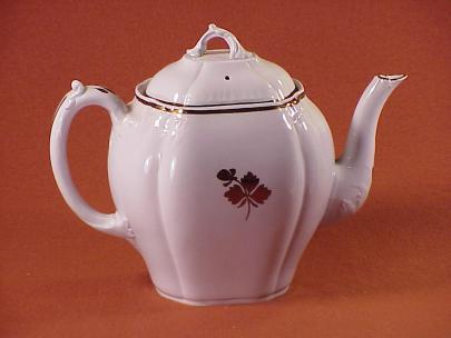 Thomas Hughes - Dignity - Tea Leaf - Teapot