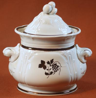 Jacob Furnival -  Berry Cluster - Teaberry - Sugar Bowl