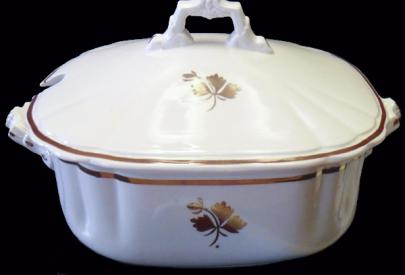 Wedgwood - Chelsea - Tea Leaf -  Soup Tureen