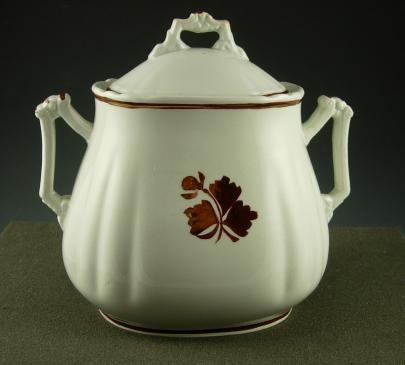 Wedgwood - Chelsea - Tea Leaf - Sugar Bowl