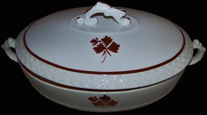Wedgwood - Fleur-de-Lis Chain - Tea Leaf - Vegetable Tureen