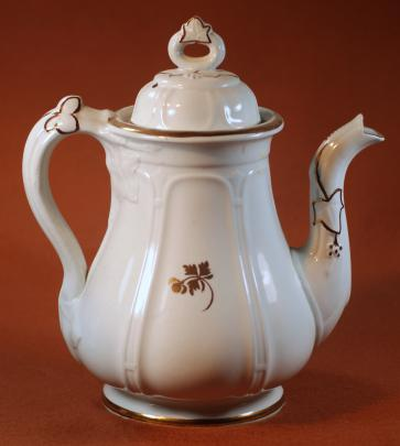 William Adams - Huron Shape - Tea Leaf - Teapot